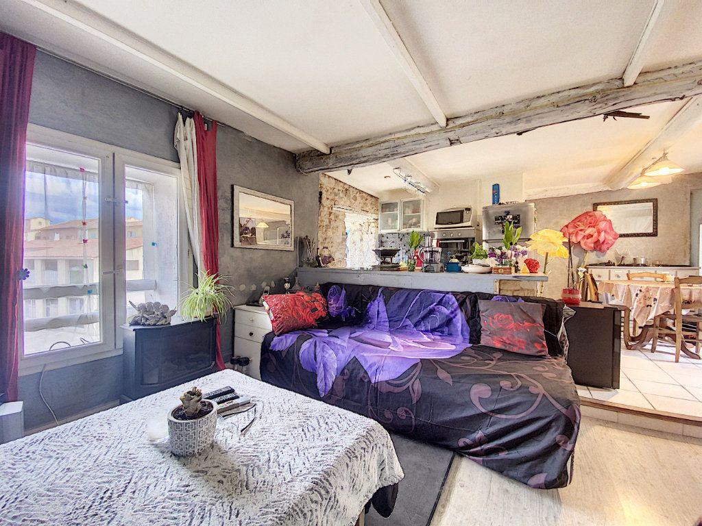 Appartement à vendre 3 44m2 à Venelles vignette-3