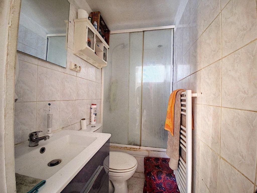 Appartement à vendre 3 44m2 à Venelles vignette-8