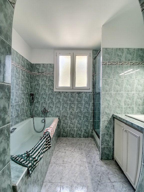 Appartement à louer 3 79m2 à Aix-en-Provence vignette-5