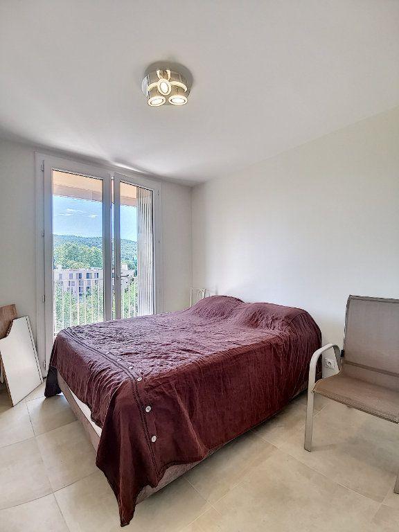 Appartement à louer 3 79m2 à Aix-en-Provence vignette-6