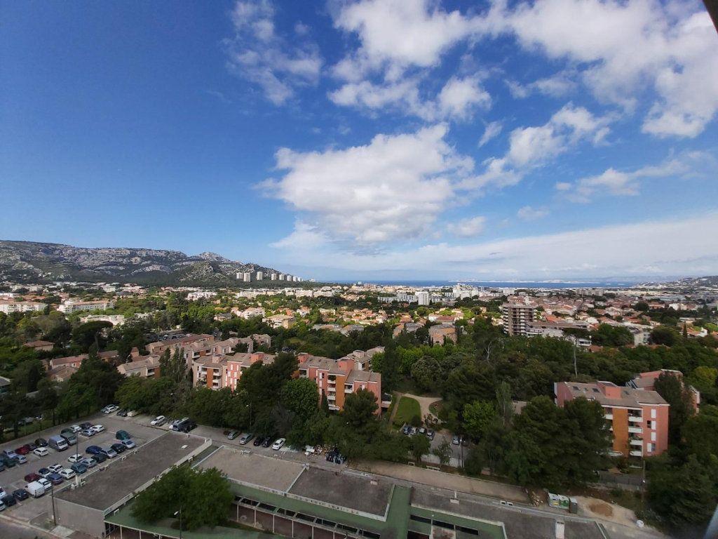 Appartement à louer 3 68.2m2 à Marseille 9 vignette-1