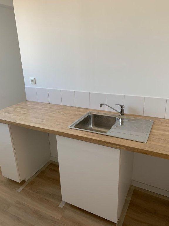 Appartement à louer 3 68.2m2 à Marseille 9 vignette-5