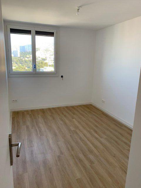 Appartement à louer 3 68.2m2 à Marseille 9 vignette-8