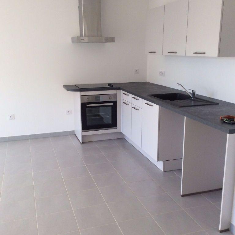 Appartement à louer 2 40m2 à Saint-Cannat vignette-2