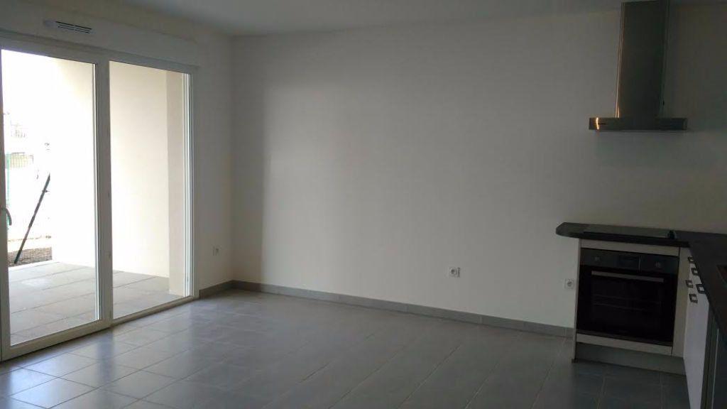 Appartement à louer 2 40m2 à Saint-Cannat vignette-4