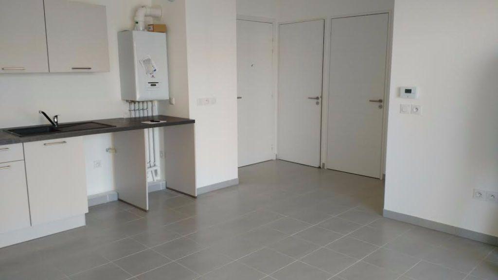 Appartement à louer 2 40m2 à Saint-Cannat vignette-5