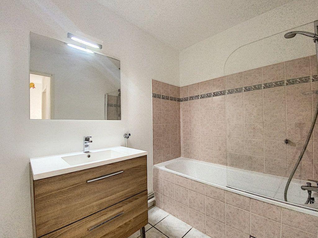 Appartement à louer 3 61m2 à Venelles vignette-6
