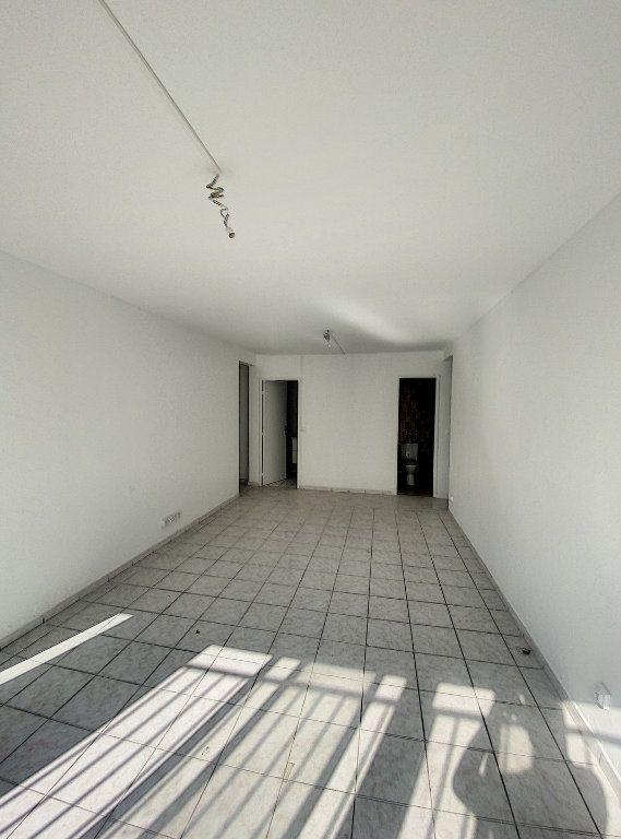 Appartement à vendre 4 77.02m2 à Marseille 14 vignette-5