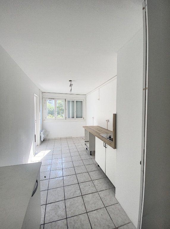 Appartement à vendre 4 77.02m2 à Marseille 14 vignette-6