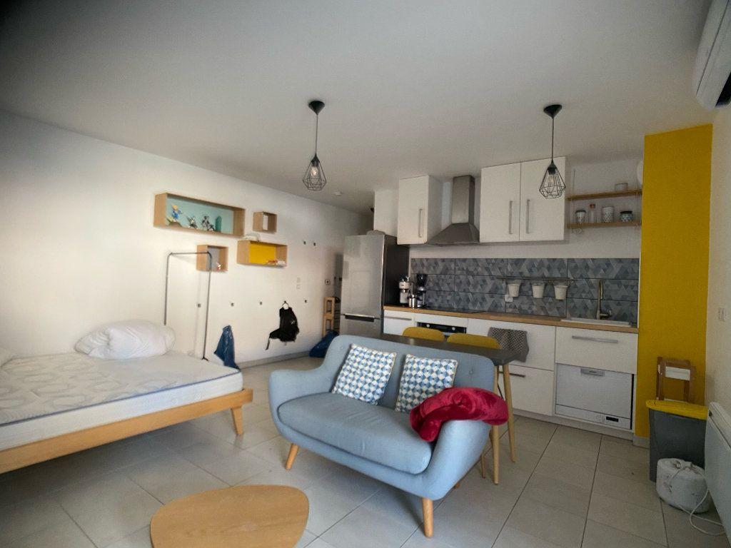 Appartement à louer 1 33.3m2 à Martigues vignette-2