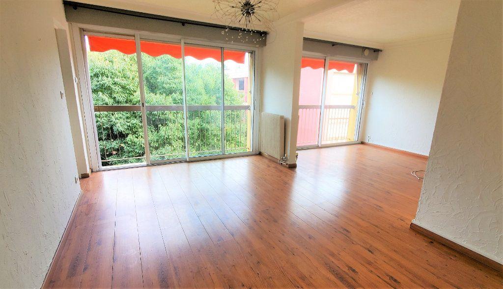 Appartement à louer 3 74m2 à Les Pennes-Mirabeau vignette-3
