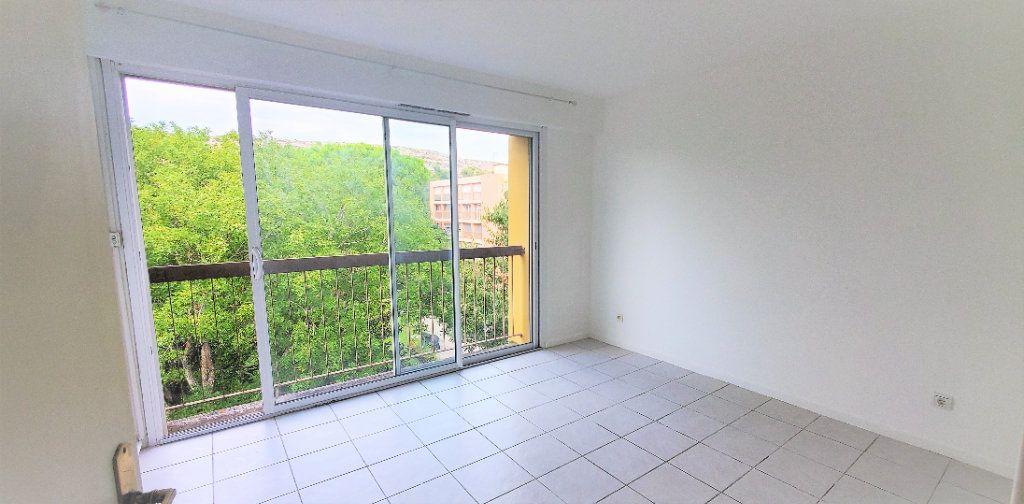 Appartement à louer 3 74m2 à Les Pennes-Mirabeau vignette-5