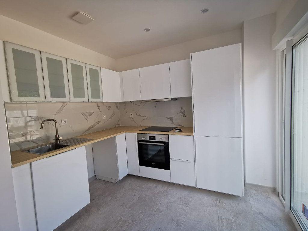Appartement à louer 3 58m2 à Lambesc vignette-4