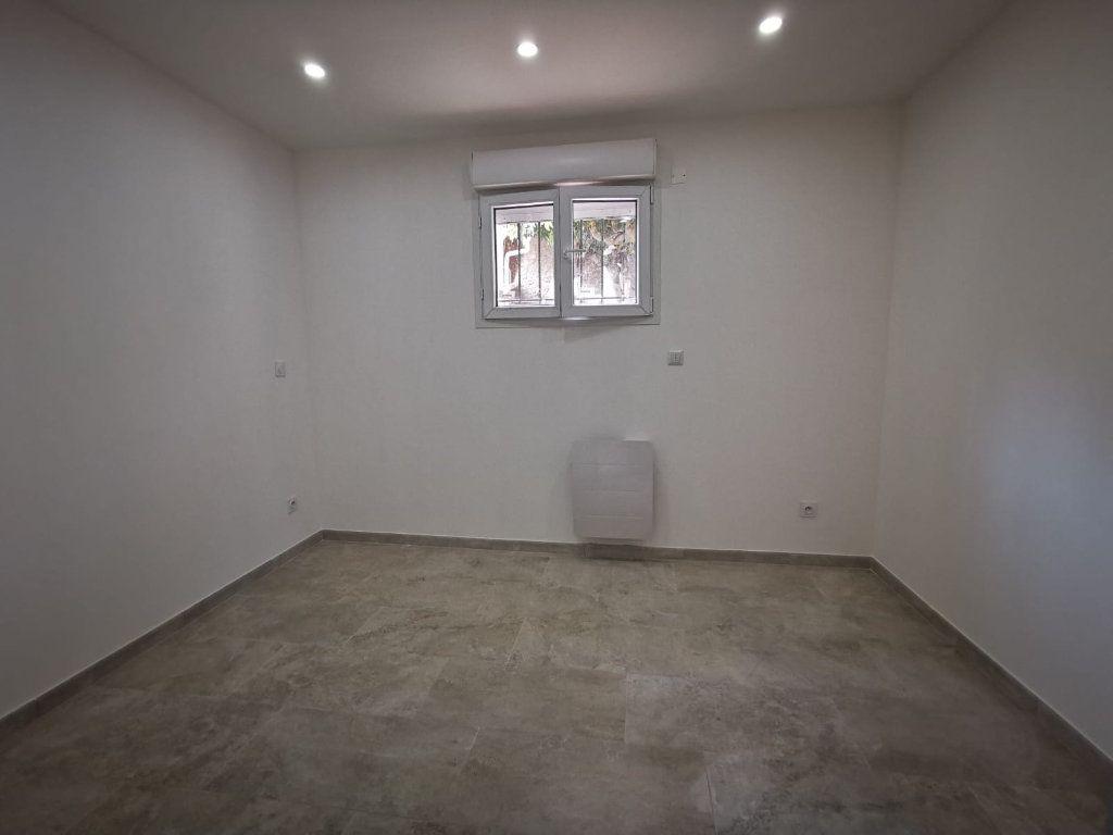 Appartement à louer 3 58m2 à Lambesc vignette-8