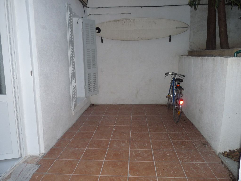 Appartement à louer 1 19m2 à Marseille 8 vignette-3