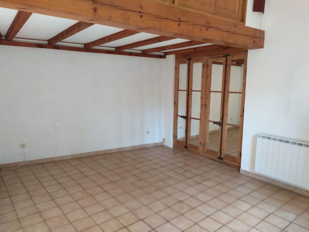 Maison à louer 3 57.03m2 à Mallemort vignette-2