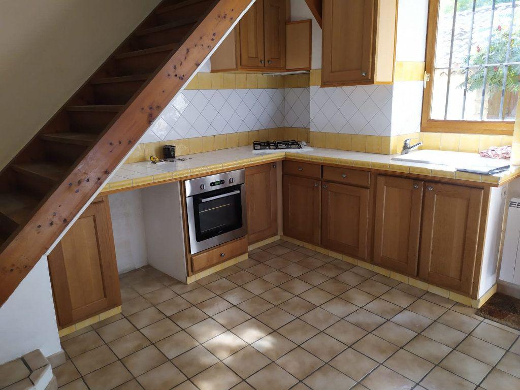 Maison à louer 3 57.03m2 à Mallemort vignette-4