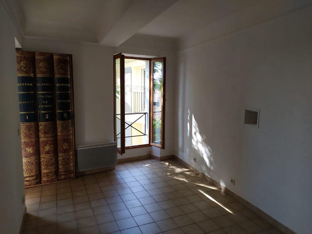 Maison à louer 3 57.03m2 à Mallemort vignette-5