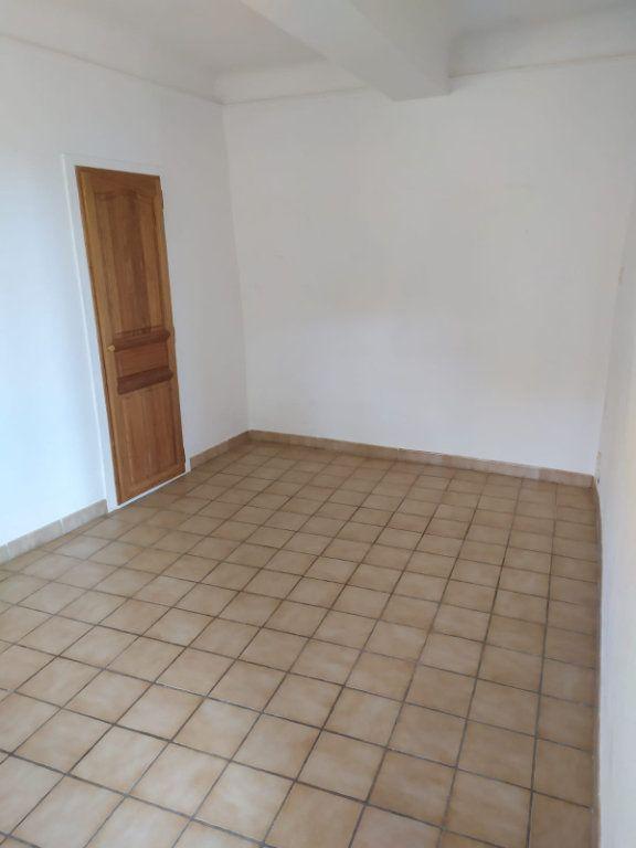Maison à louer 3 57.03m2 à Mallemort vignette-7