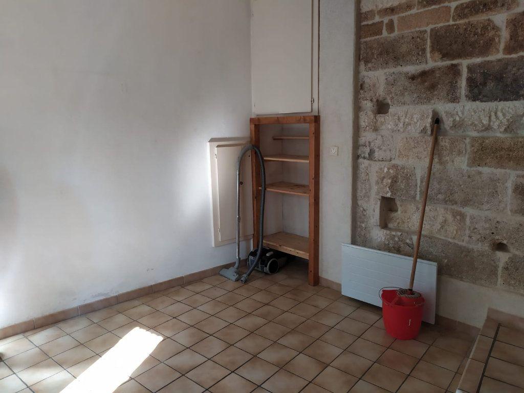 Maison à louer 3 57.03m2 à Mallemort vignette-8