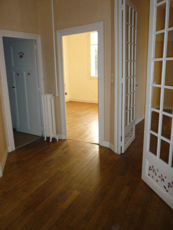 Appartement à louer 3 66.7m2 à Tours vignette-1