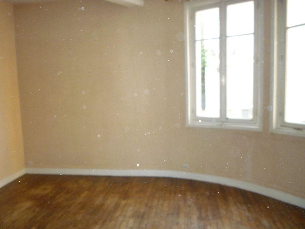 Appartement à louer 3 66.7m2 à Tours vignette-2