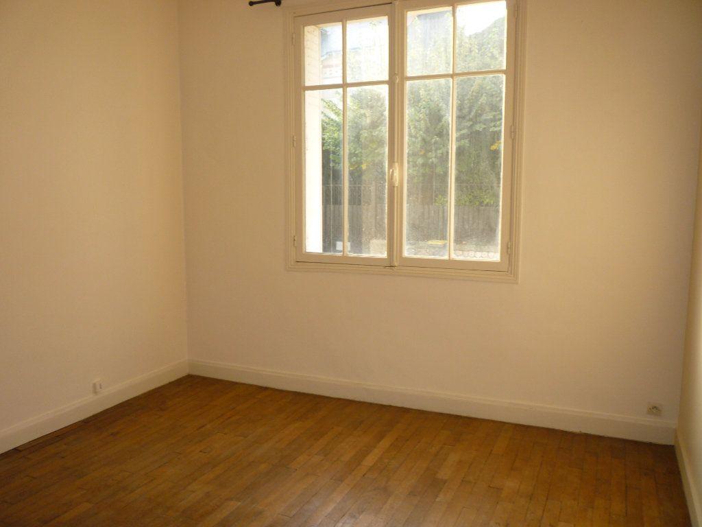 Appartement à louer 3 66.7m2 à Tours vignette-3