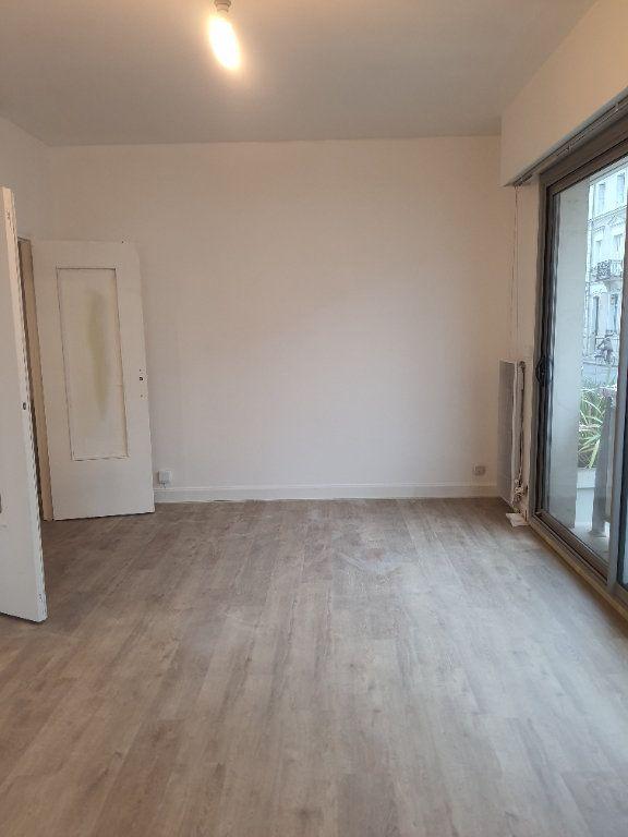 Appartement à louer 2 55.5m2 à Tours vignette-2