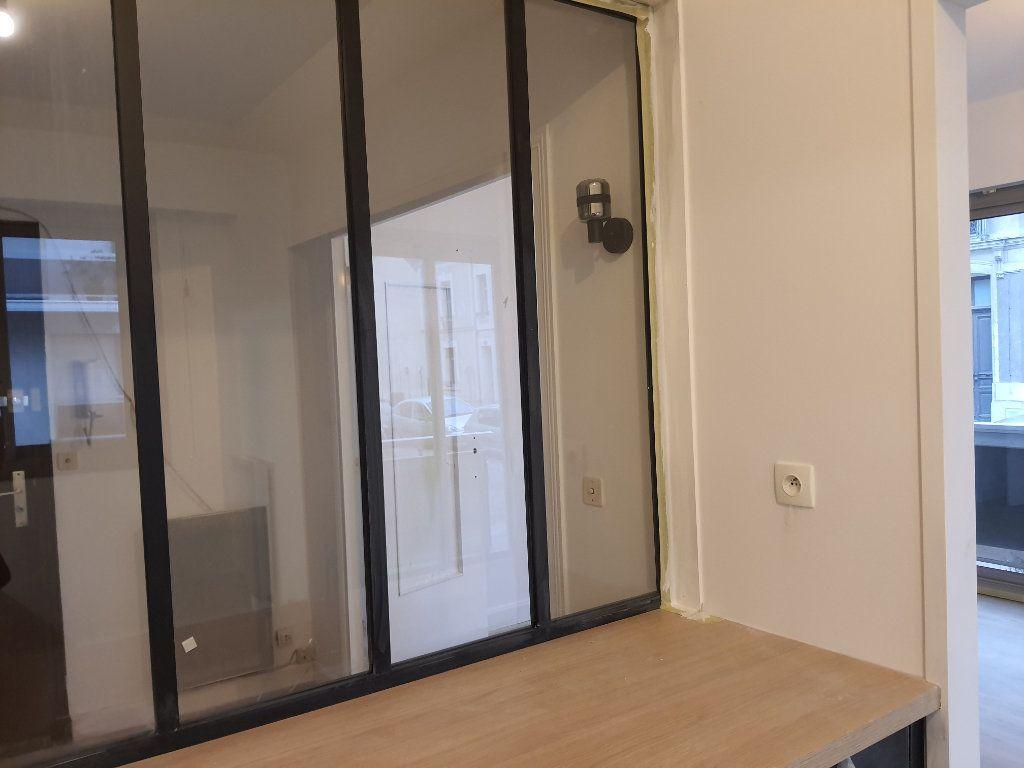 Appartement à louer 2 55.5m2 à Tours vignette-3