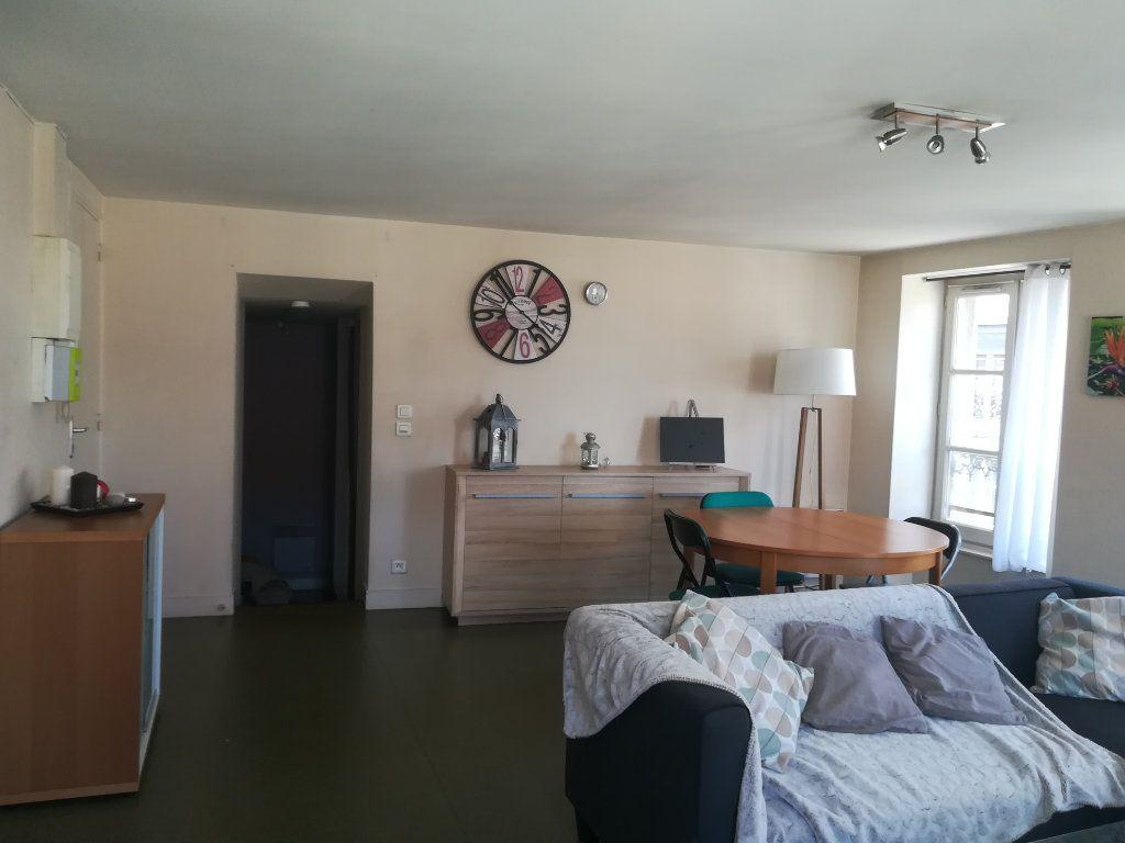 Appartement à louer 3 83m2 à Mortagne-au-Perche vignette-2