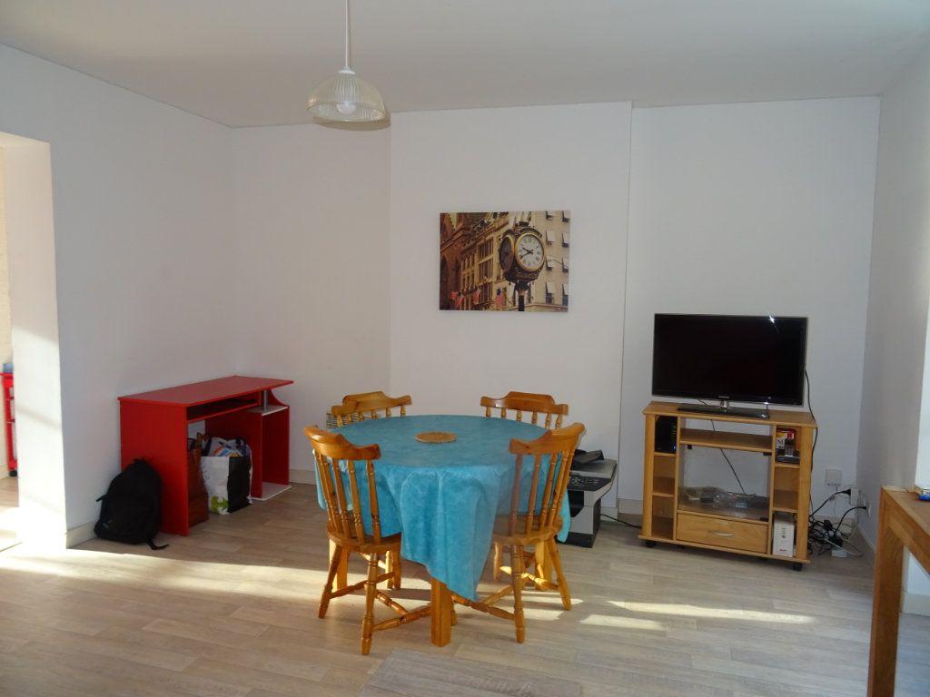 Appartement à louer 2 43m2 à Alençon vignette-3