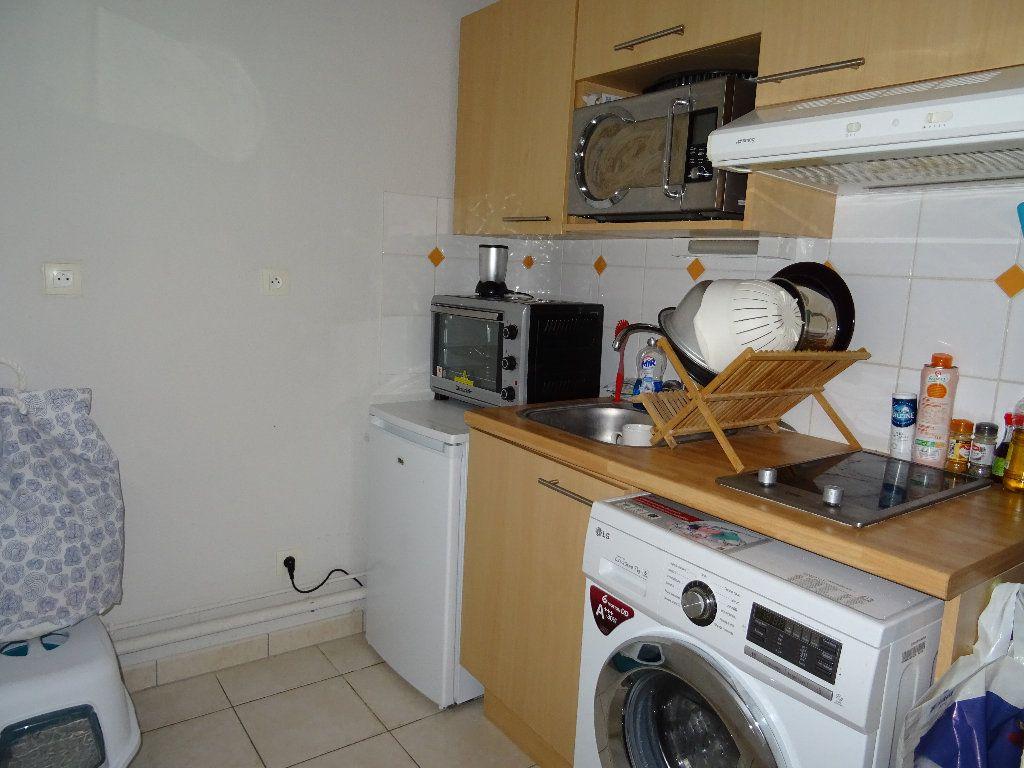 Appartement à louer 2 35m2 à Alençon vignette-6