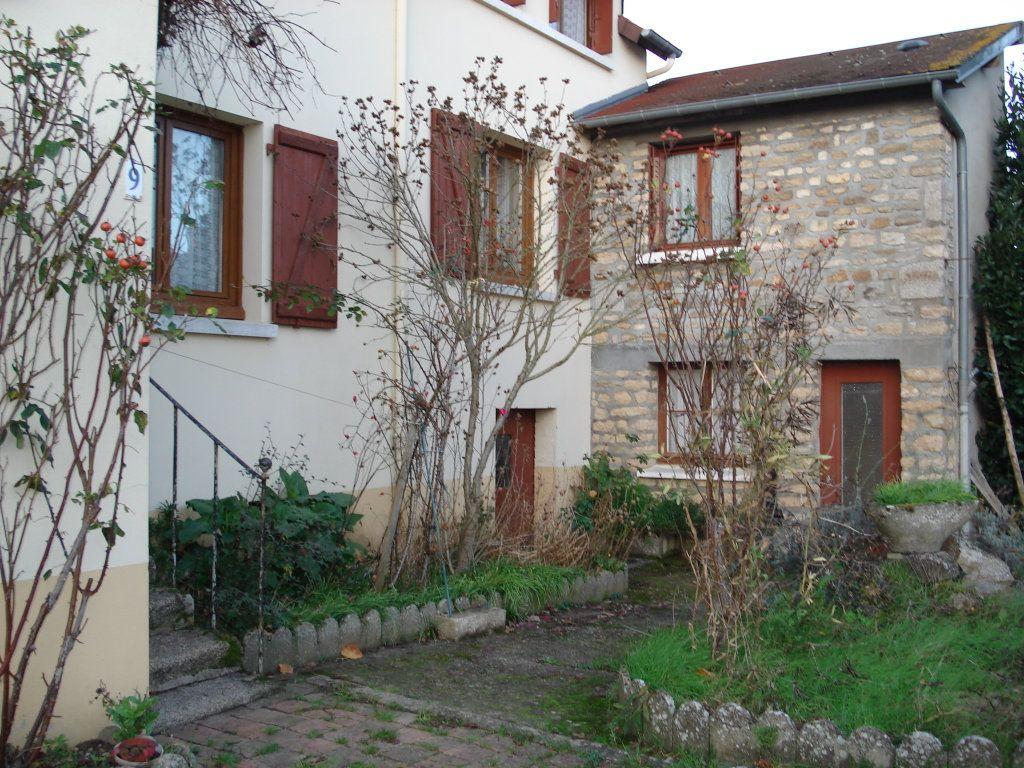 Maison à vendre 5 95m2 à Arçonnay vignette-1