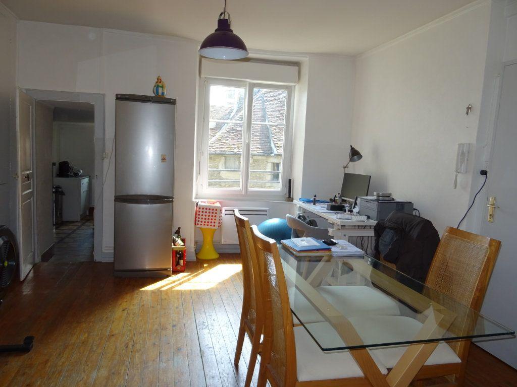 Appartement à louer 2 67.51m2 à Alençon vignette-3