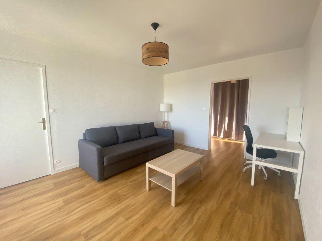 Appartement à louer 2 47.87m2 à Alençon vignette-3