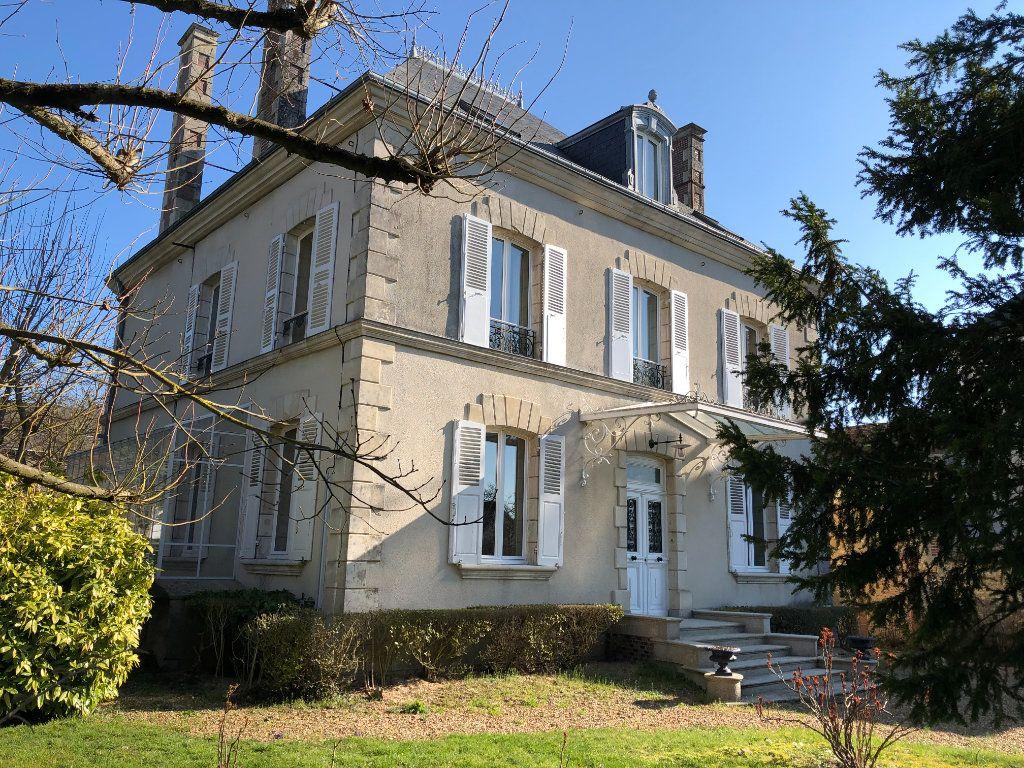 Maison à vendre 9 235m2 à Condé-sur-Huisne vignette-1