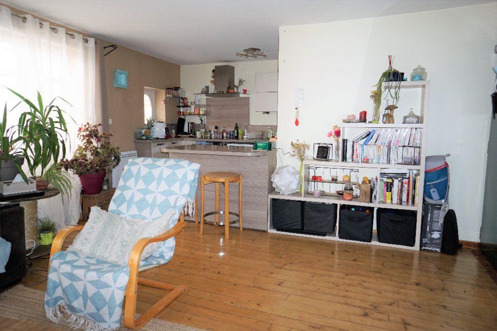 Appartement à louer 3 54m2 à Alençon vignette-2