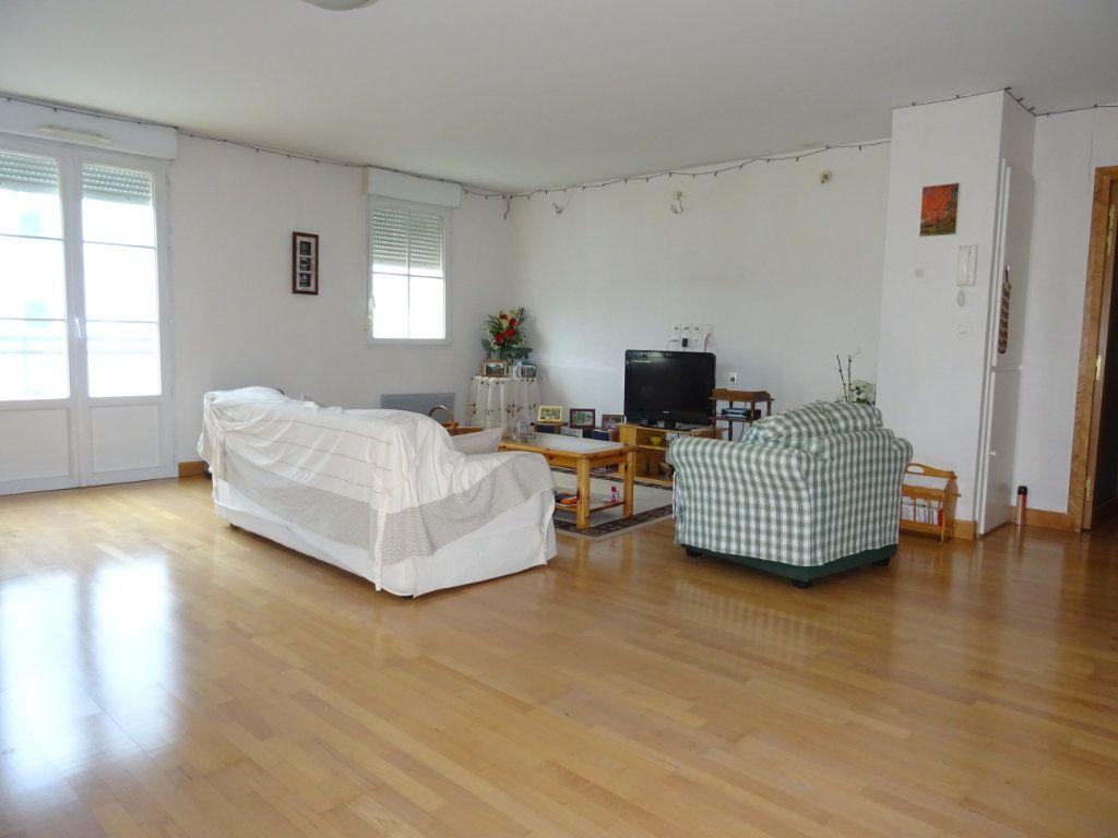 Appartement à vendre 5 116m2 à Alençon vignette-1