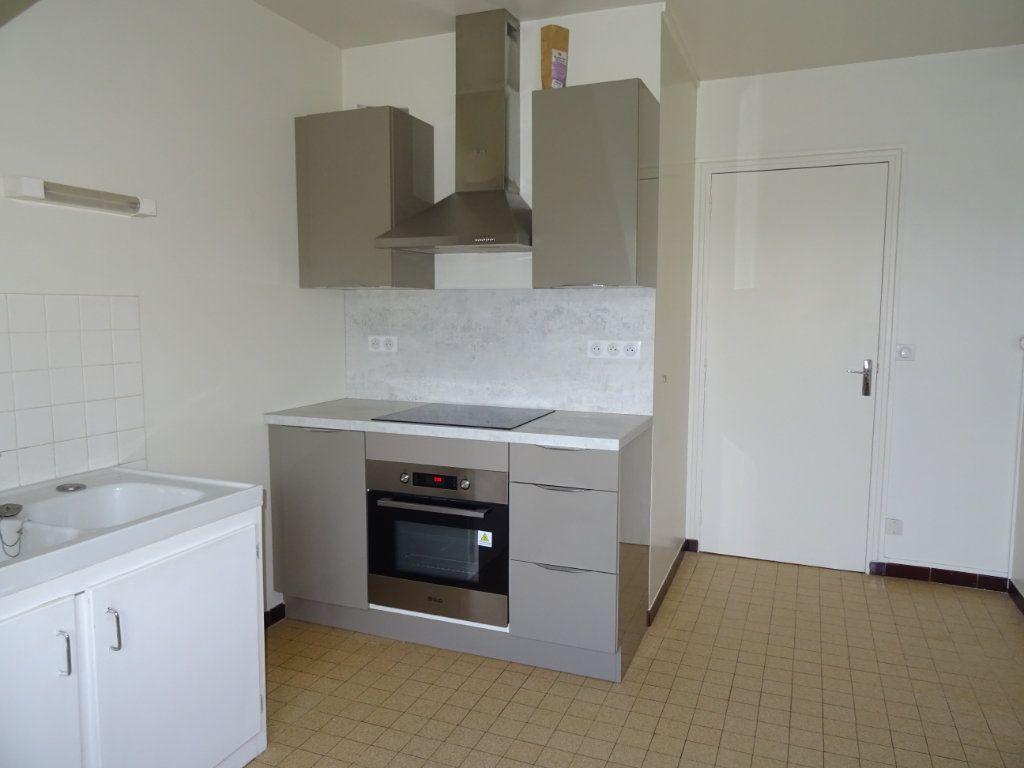 Appartement à louer 2 53m2 à Nogent-le-Rotrou vignette-2