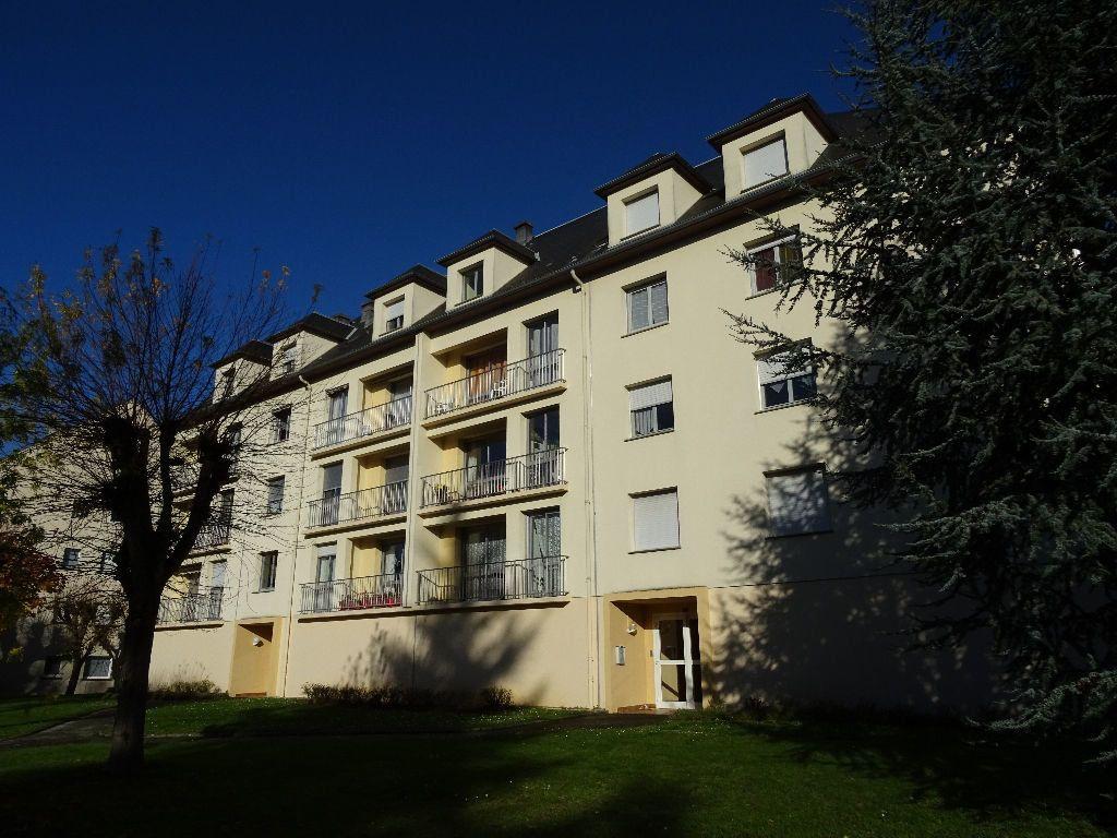 Appartement à louer 2 53m2 à Nogent-le-Rotrou vignette-3