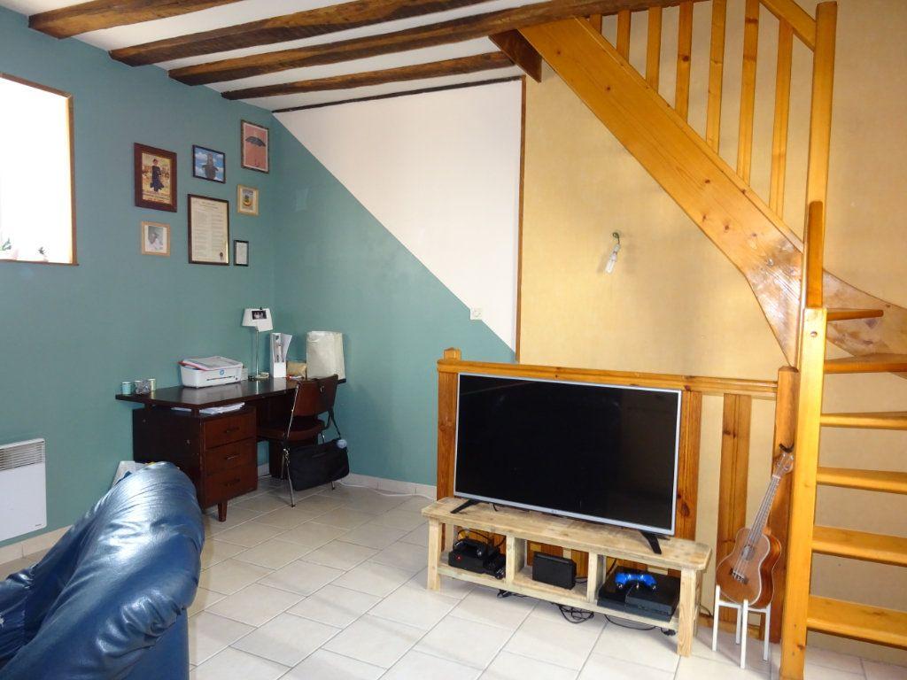 Appartement à louer 2 56m2 à Alençon vignette-2