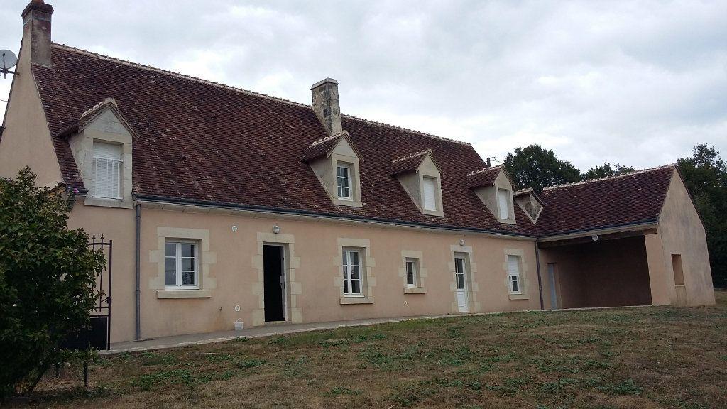Maison à louer 7 146.4m2 à Nogent-le-Rotrou vignette-1