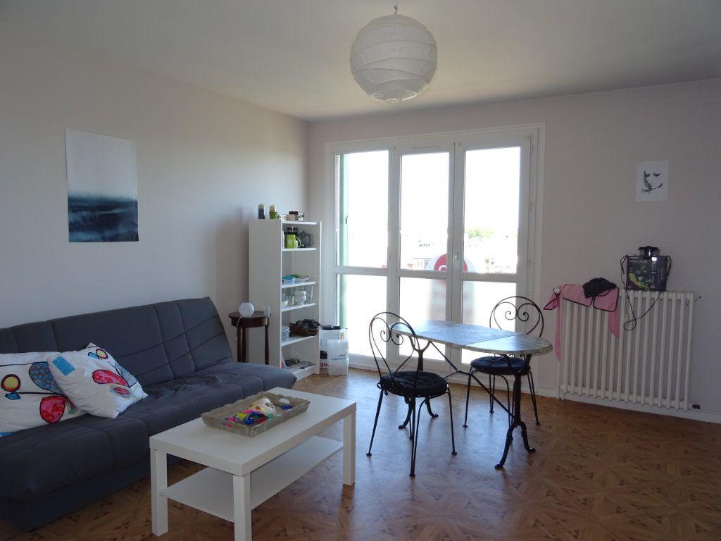 Appartement à vendre 3 70m2 à Alençon vignette-1
