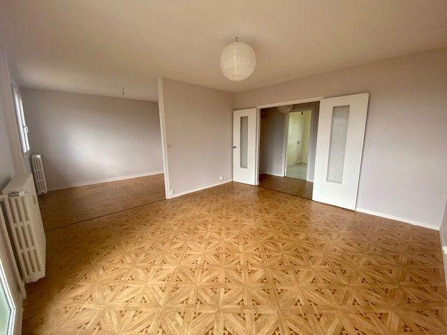 Appartement à vendre 3 70m2 à Alençon vignette-2