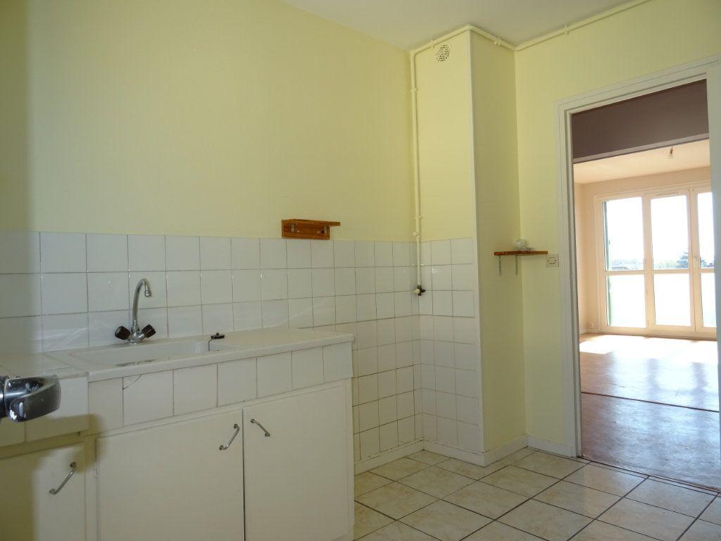 Appartement à vendre 3 70m2 à Alençon vignette-4