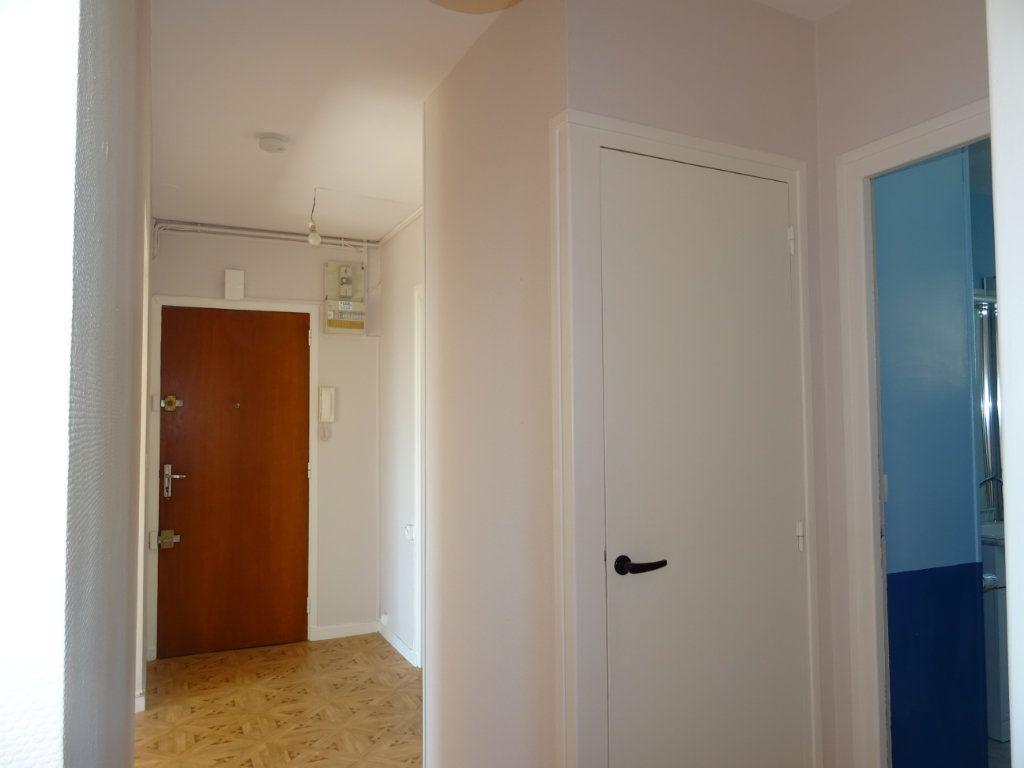 Appartement à vendre 3 70m2 à Alençon vignette-6
