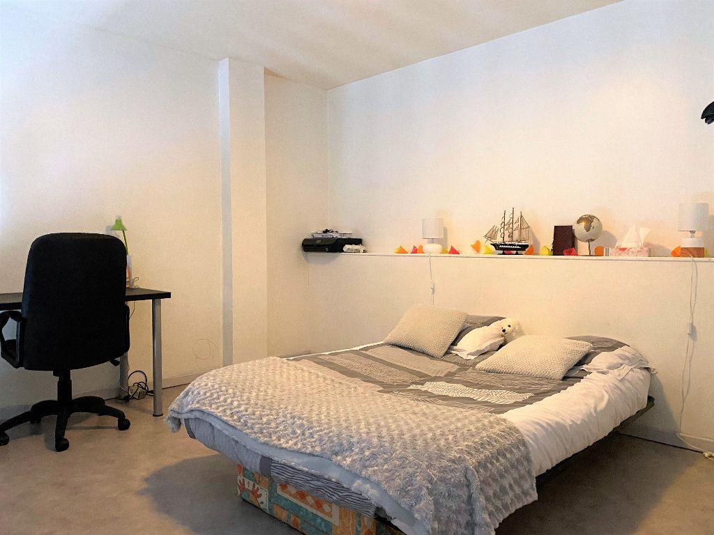 Appartement à louer 2 31.42m2 à Alençon vignette-3