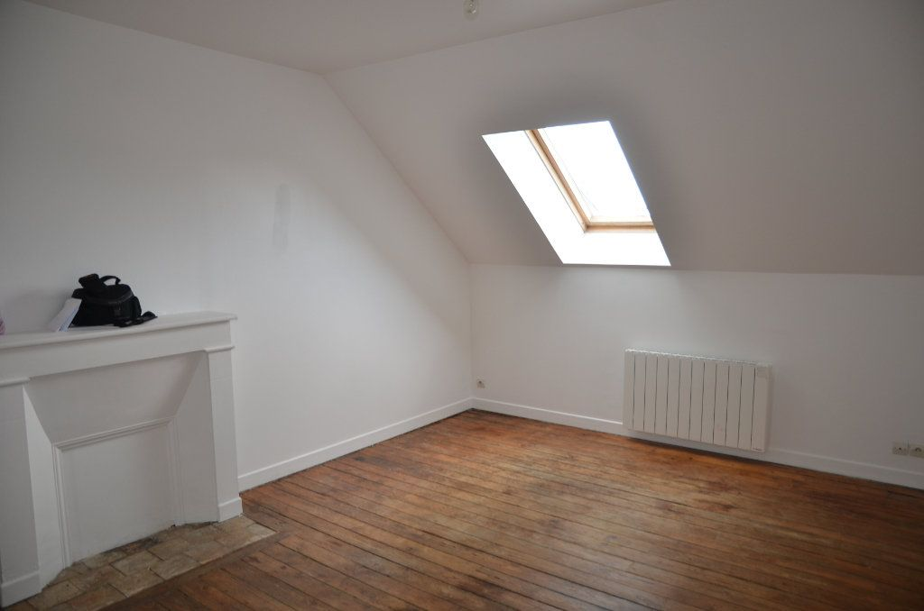 Appartement à louer 2 32m2 à Mortagne-au-Perche vignette-1