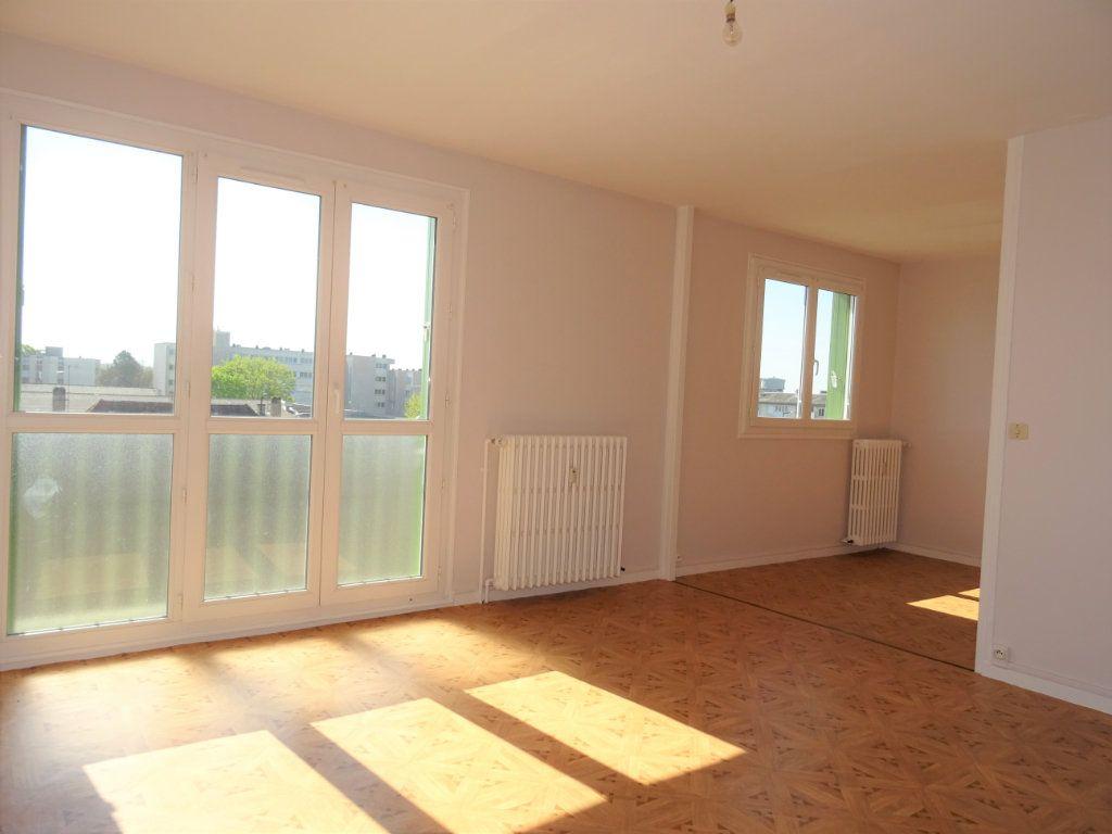 Appartement à louer 3 67m2 à Alençon vignette-1