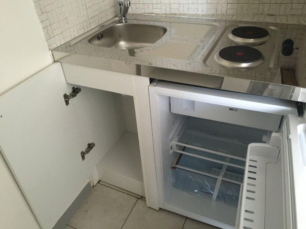 Appartement à louer 1 26m2 à Nogent-le-Rotrou vignette-2
